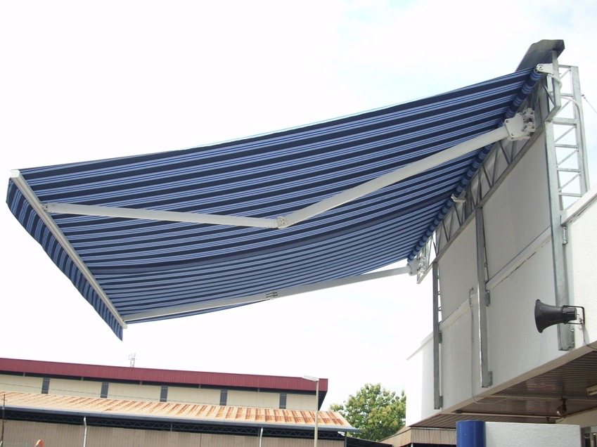 Retractable Motorised Awning 4 5